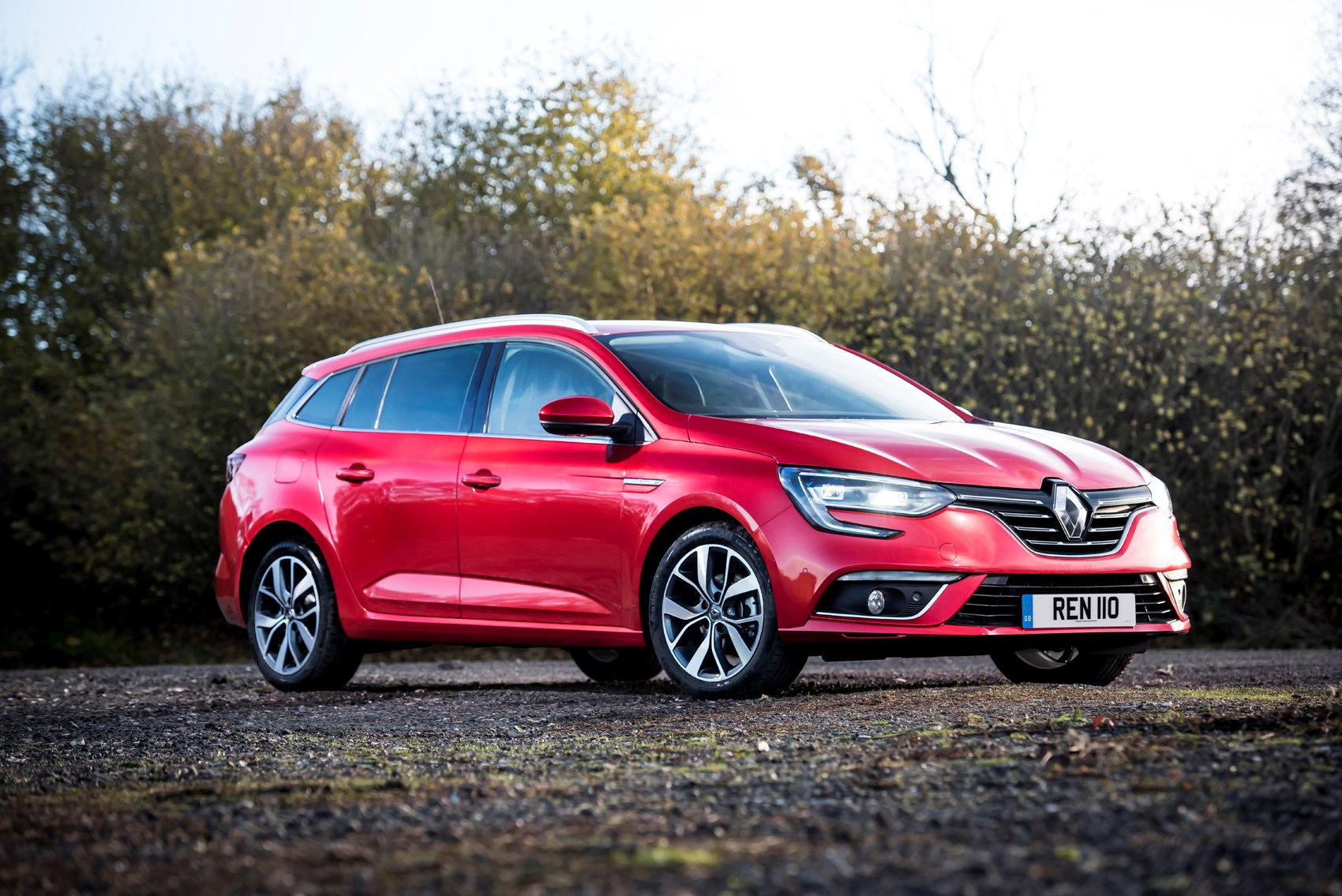 renault megane sport tourer review 2016 parkers. Black Bedroom Furniture Sets. Home Design Ideas