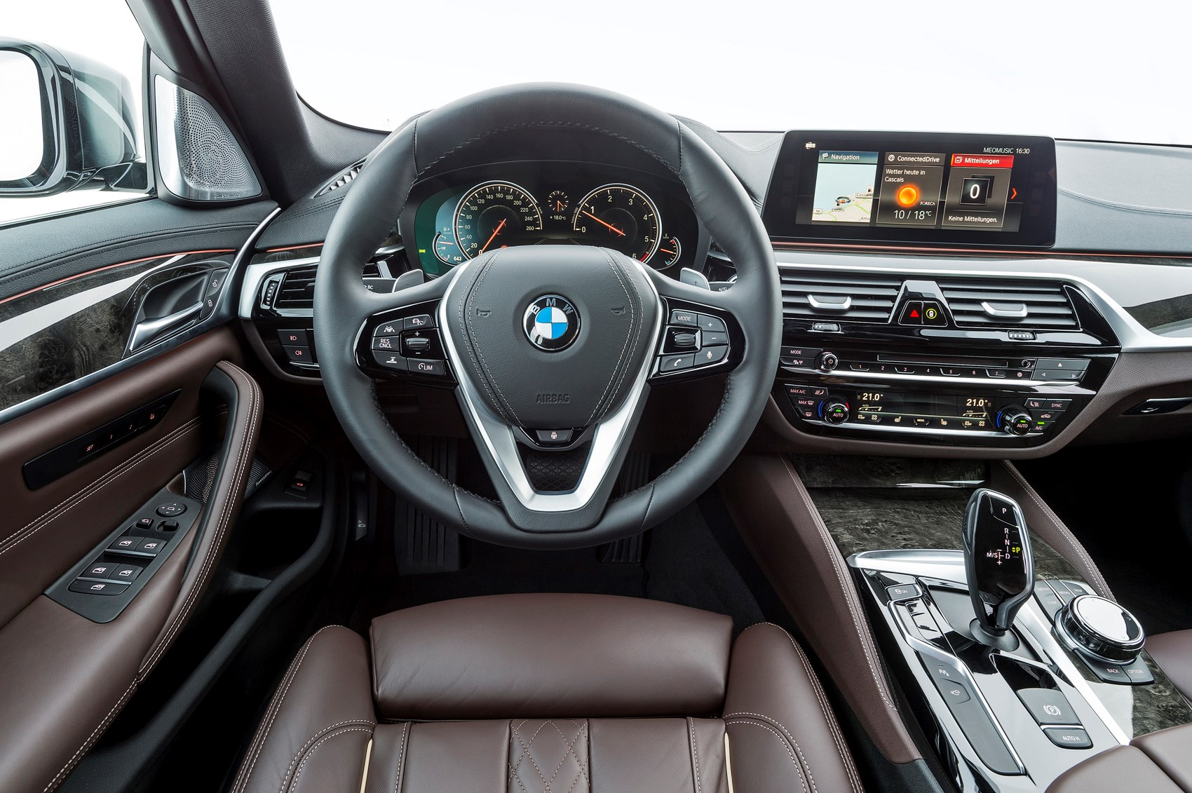 bmw 5 series saloon review 2017 parkers. Black Bedroom Furniture Sets. Home Design Ideas
