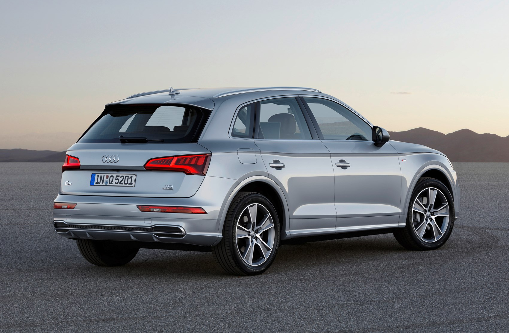 Audi Q5 SUV (2016 - ) Photos | Parkers