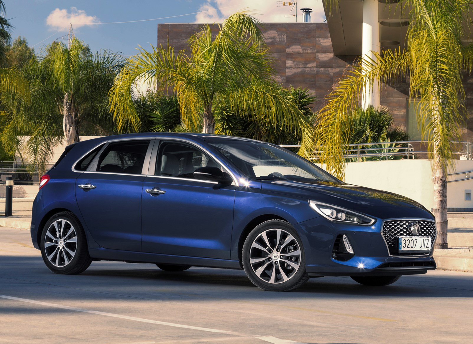 hyundai i30 hatchback review 2017 parkers. Black Bedroom Furniture Sets. Home Design Ideas