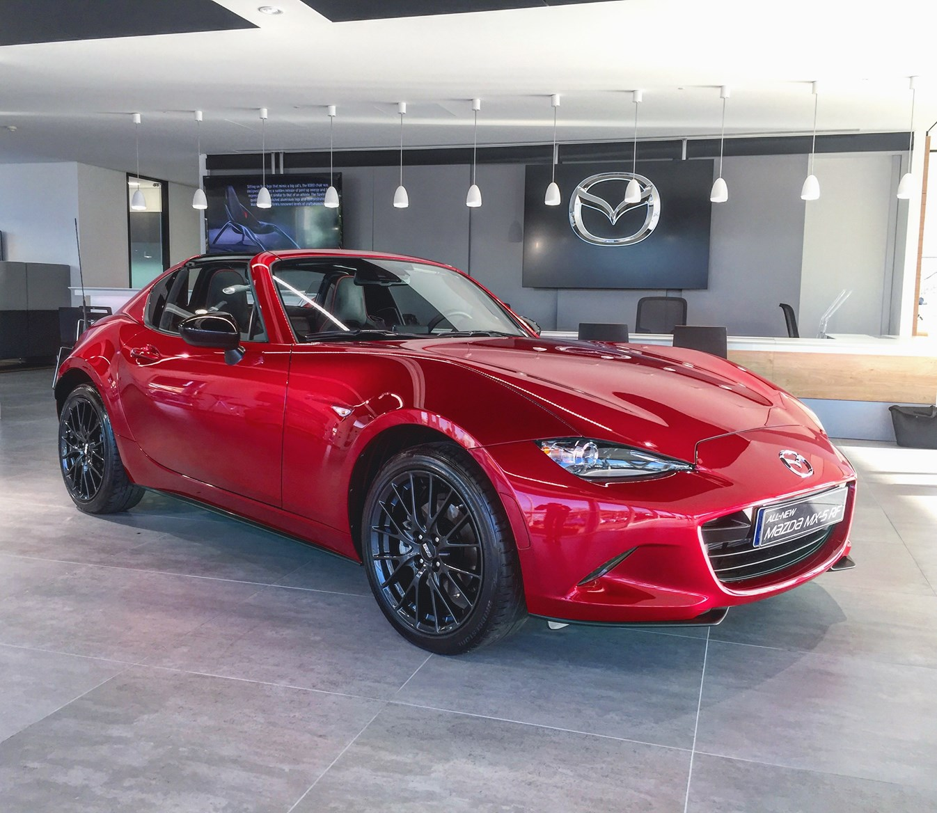 Mazda MX-5 RF  Photos
