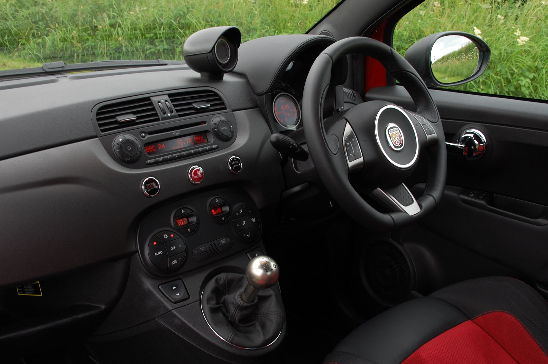 Abarth 595 Hatchback (2012 - ) Driving & Performance | Parkers