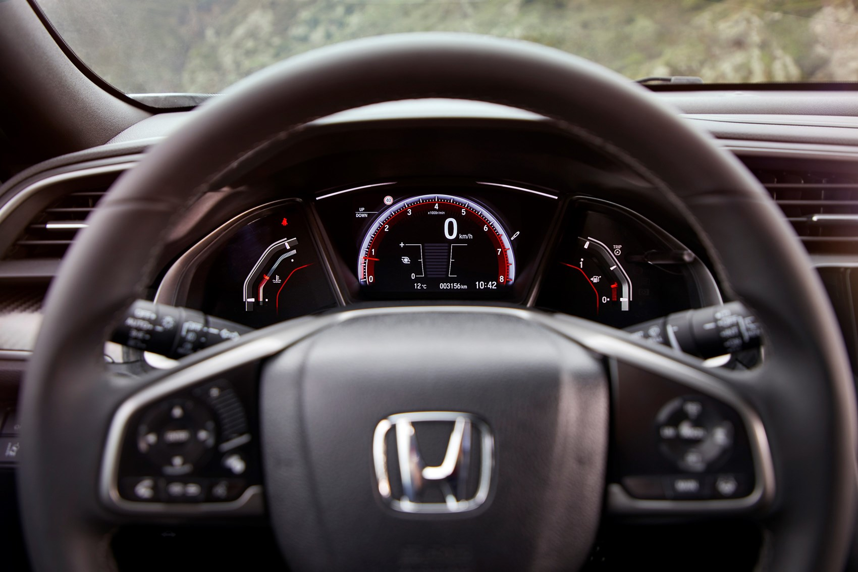... Honda 2017 Civic Hatchback interior detail ...
