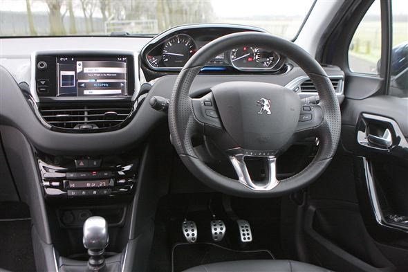 Peugeot 208: Interior Motives