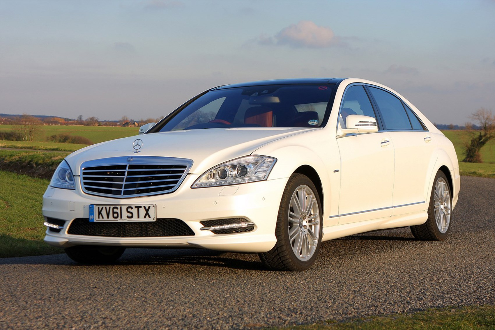 The best used luxury cars for less than 10k parkers for Mercedes benz under 10000 dollars