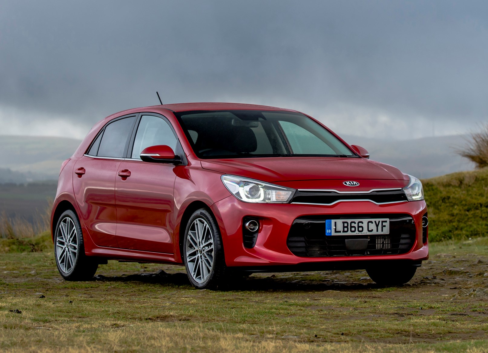 Kia Rio Hatchback 2017 Photos Parkers HD Wallpapers Download free images and photos [musssic.tk]