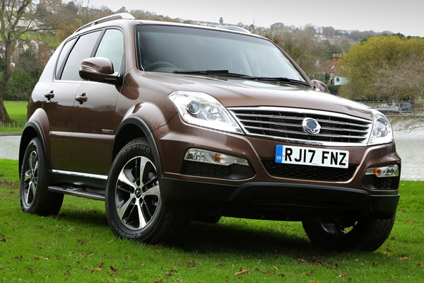 ssangyong rexton suv review 2016 2017 parkers. Black Bedroom Furniture Sets. Home Design Ideas