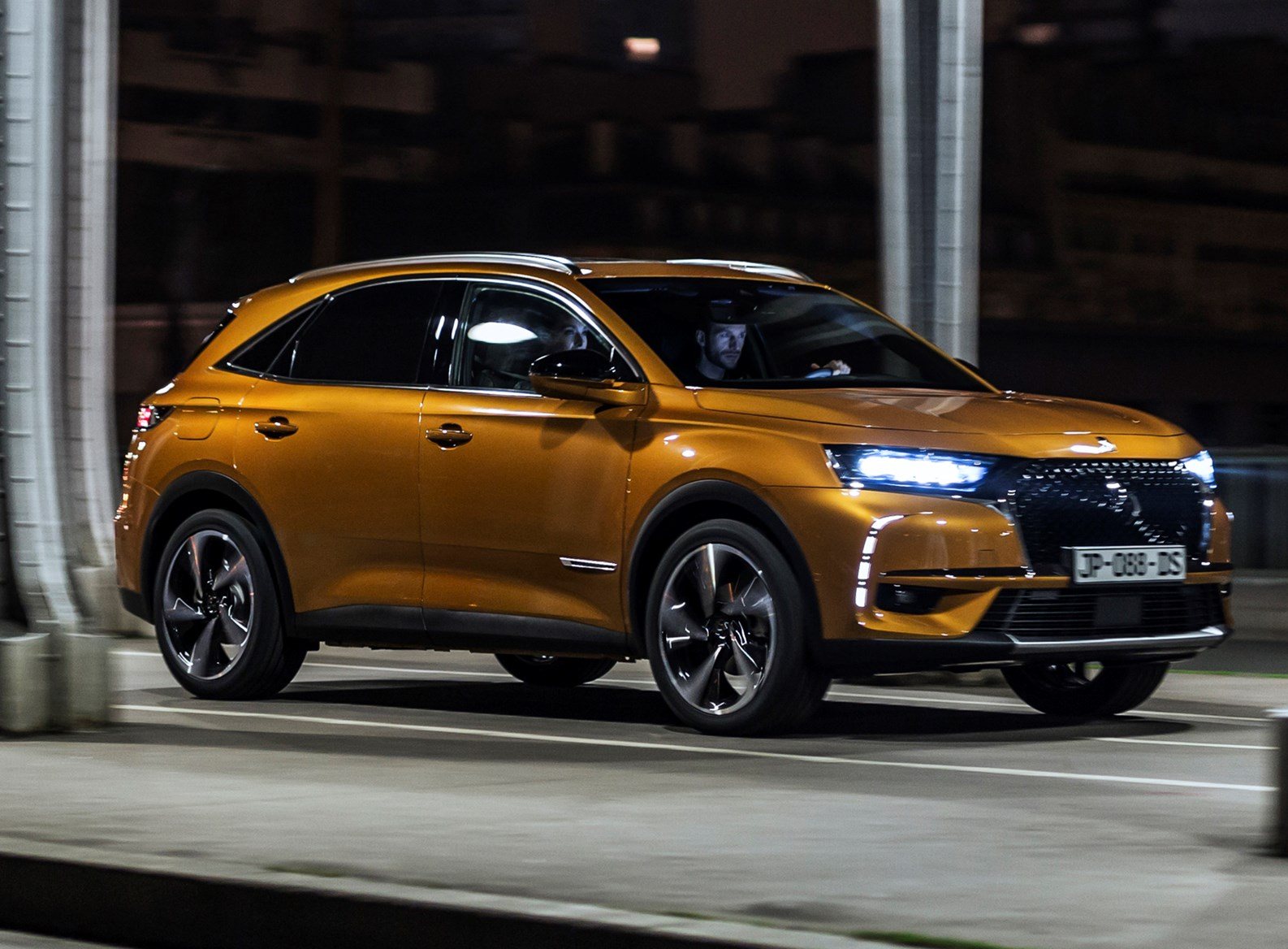 DS 7 Crossback SUV (2018 - ) Photos | Parkers