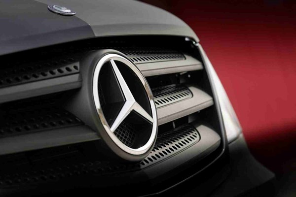 Mercedes-Benz to recall 75,000 cars in the UK