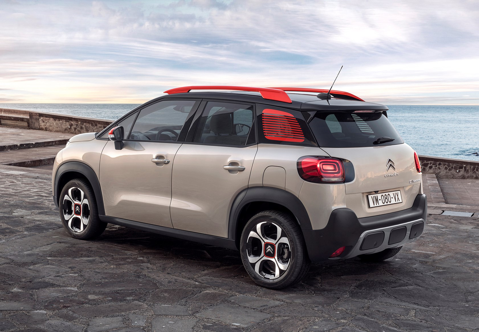 Mahindra Side By Side >> Citroën C3 Aircross SUV (2017 - ) Photos | Parkers