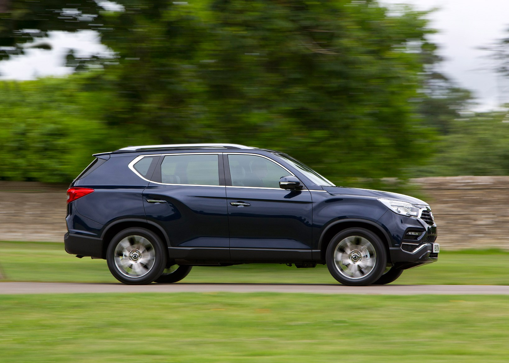 ssangyong rexton suv 2018 driving performance parkers. Black Bedroom Furniture Sets. Home Design Ideas