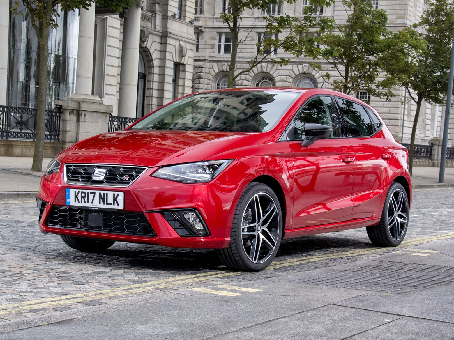 seat ibiza hatchback 2017 photos parkers. Black Bedroom Furniture Sets. Home Design Ideas