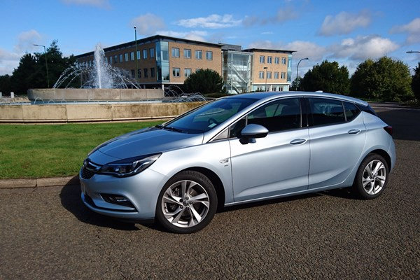 Vauxhall Astra SRi Nav long term test | Parkers