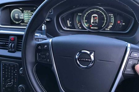 Volvo V40 D4 R-Design - Selekt used - long term test   Parkers