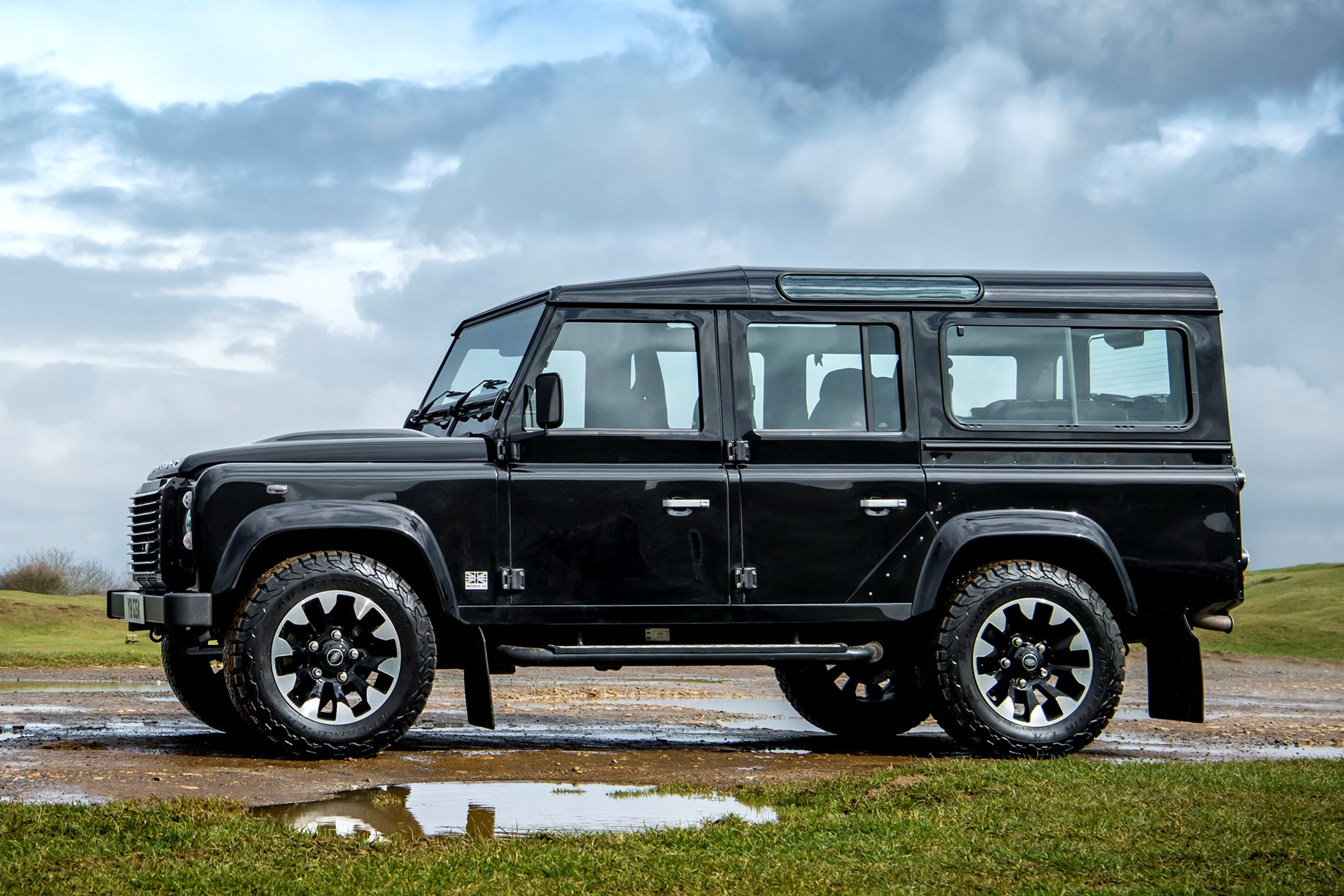 Land Rover >> Land Rover Defender 110 Station Wagon (1990 - 2017) Photos