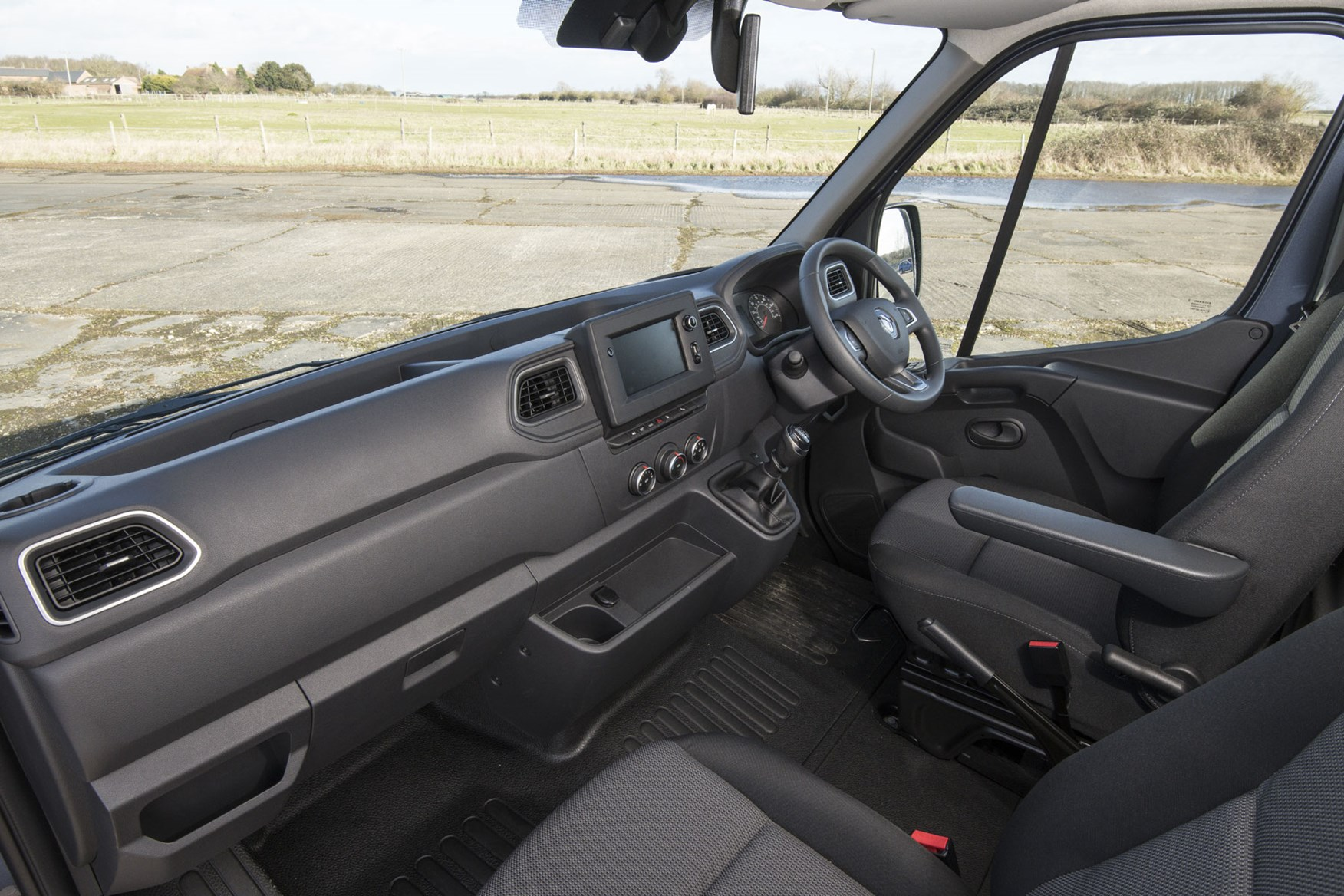Renault Master review, updated 2019 interior, right-hand drive