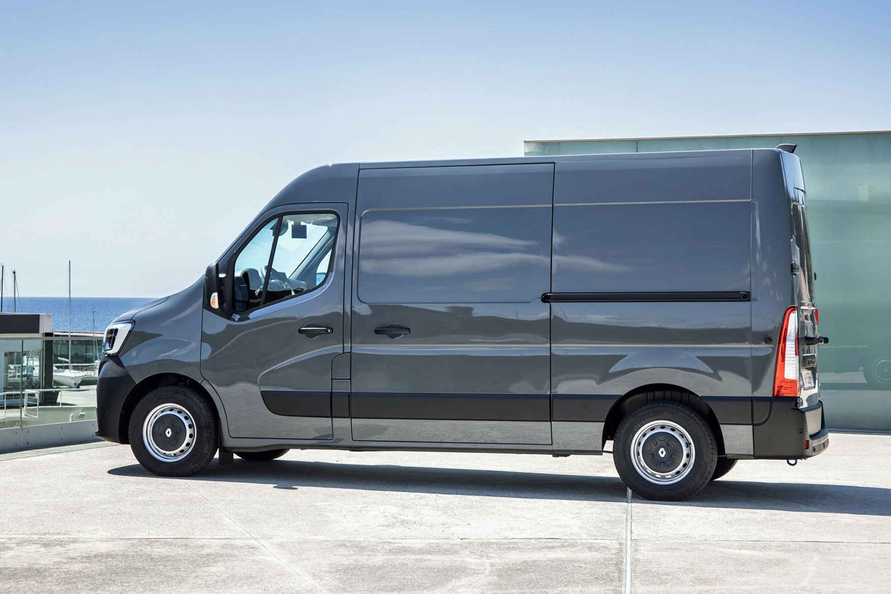 Renault Master review - 2019  facelift model, rear side view, grey