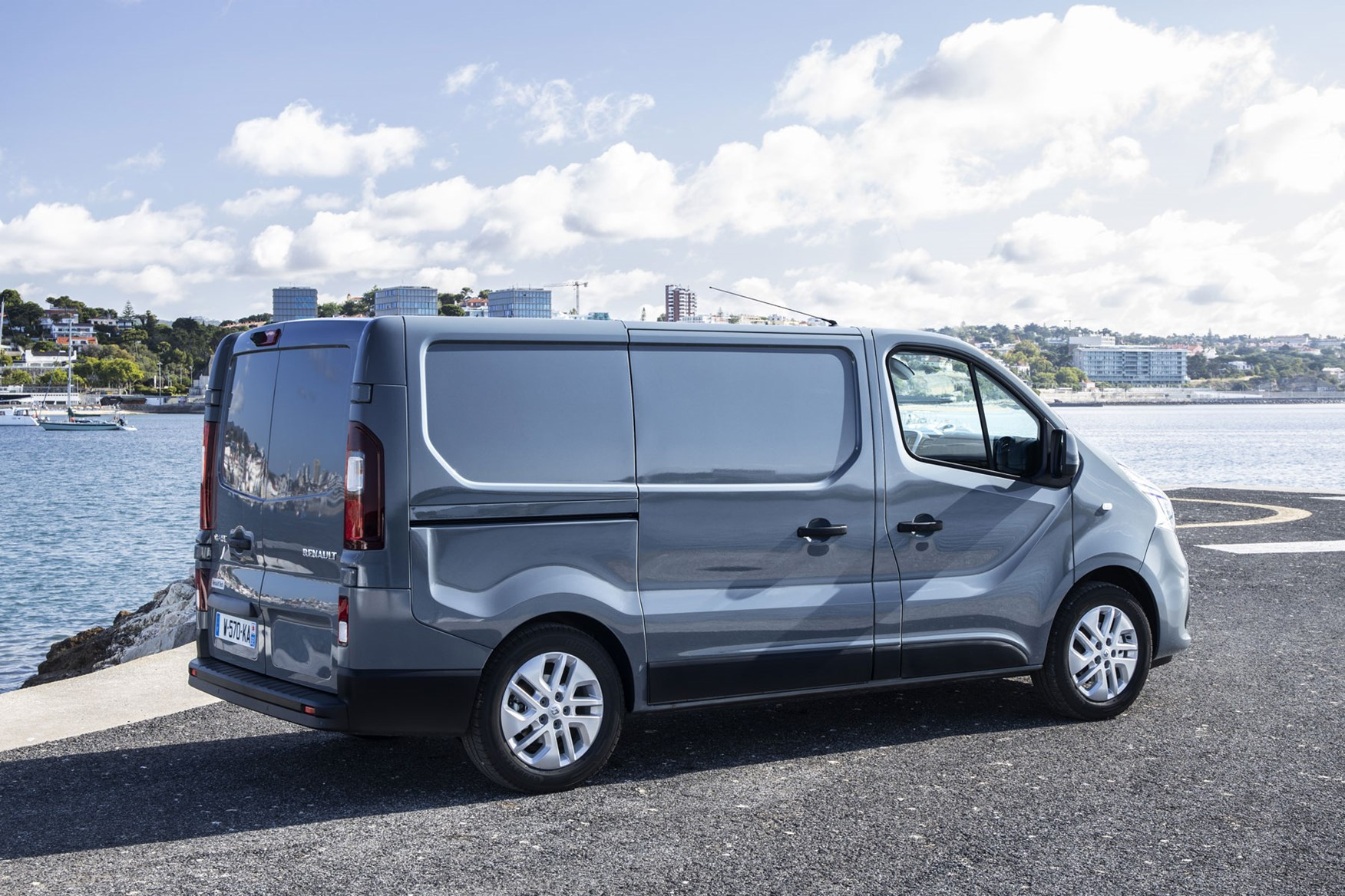 Renault Trafic review - 2019 facelift, rear view, grey