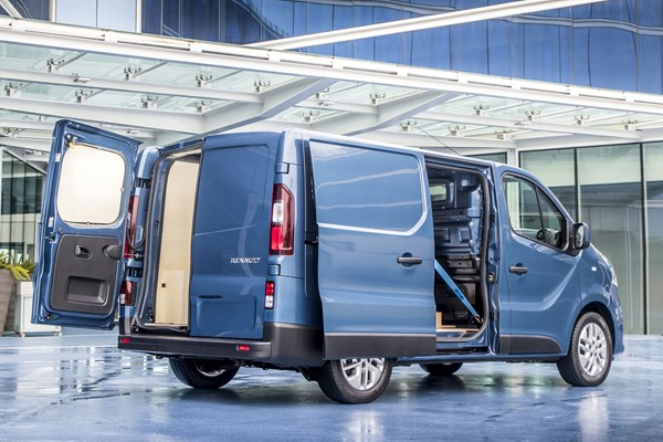 Renault Trafic van dimensions (2014-on), capacity, payload