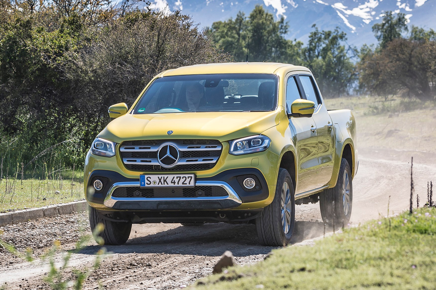 Mercedes-Benz X-Class full review on Parkers Vans - off road