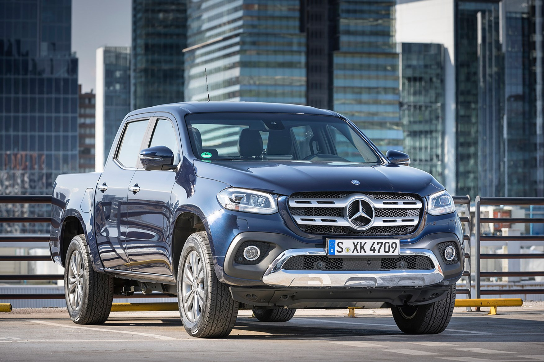 Mercedes-Benz X-Class full review on Parkers Vans - front