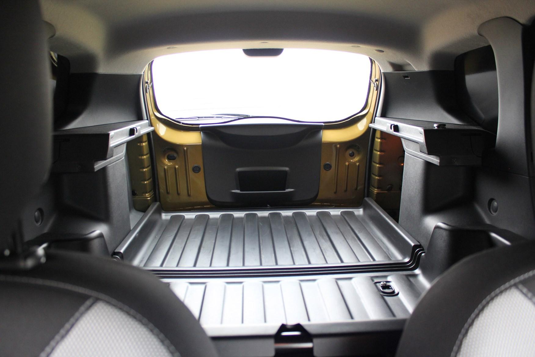 Dacia Duster full review on Parkers Vans - Laureate trim load area