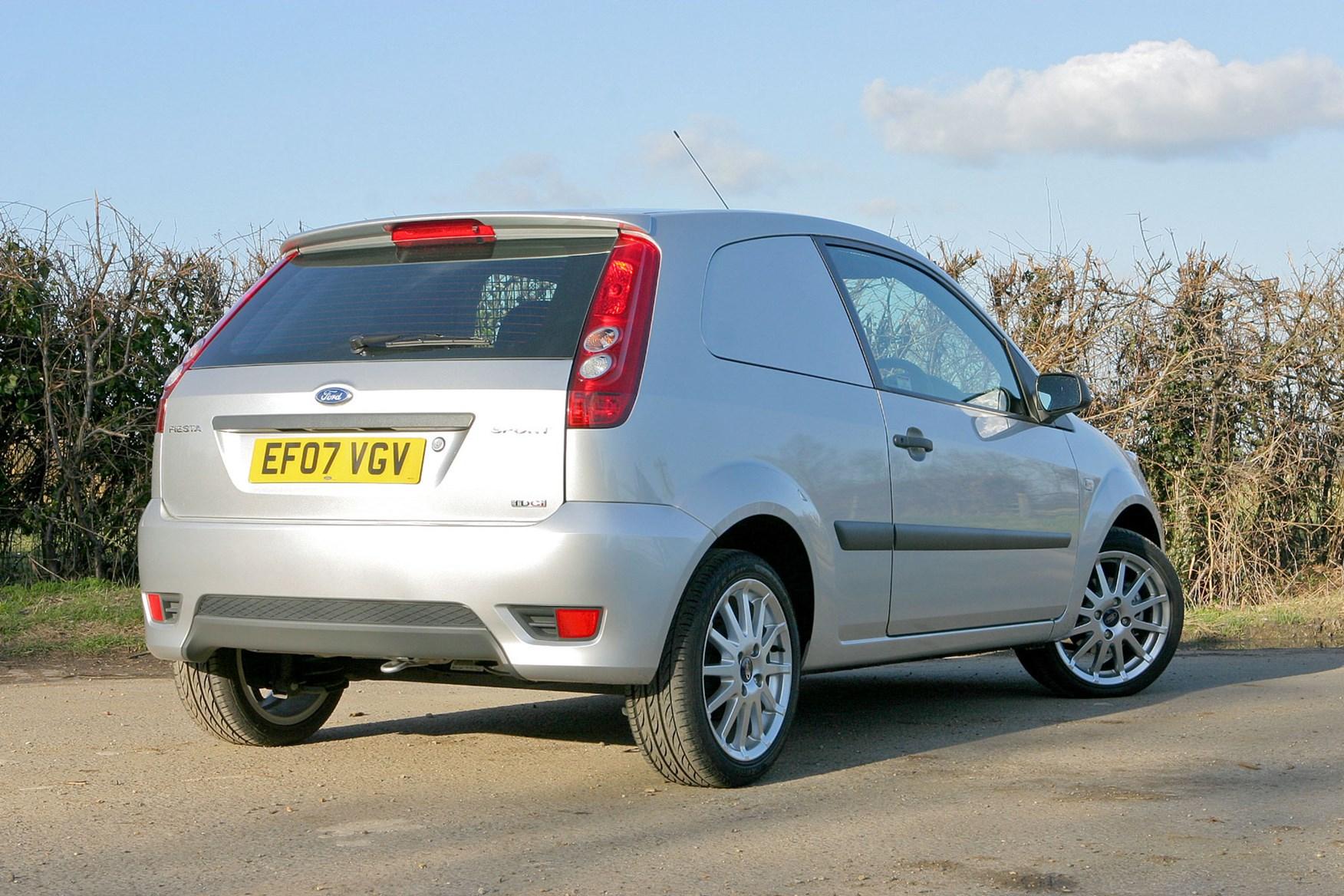 Ford Fiesta Van (2003-2009) rear view