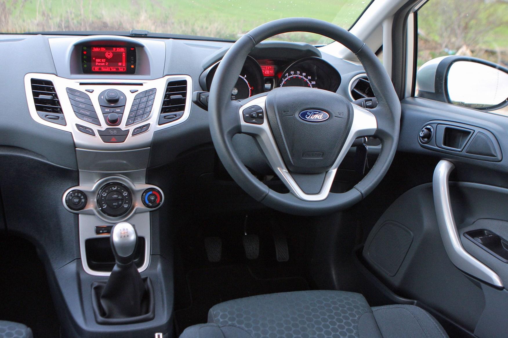 Ford Fiesta Van (2009-2017) cab interior