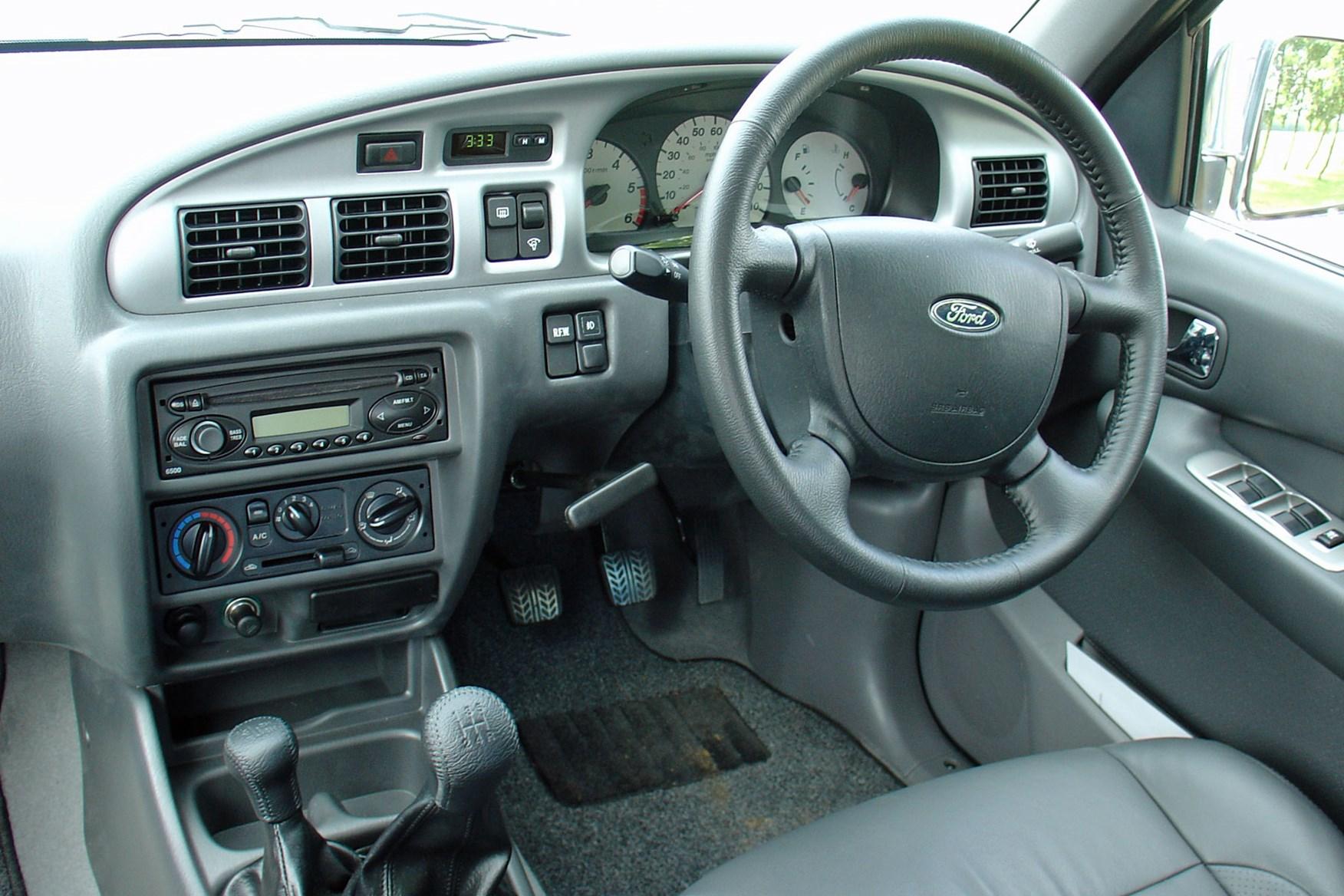 Ford Ranger (1999-2006) cab interior