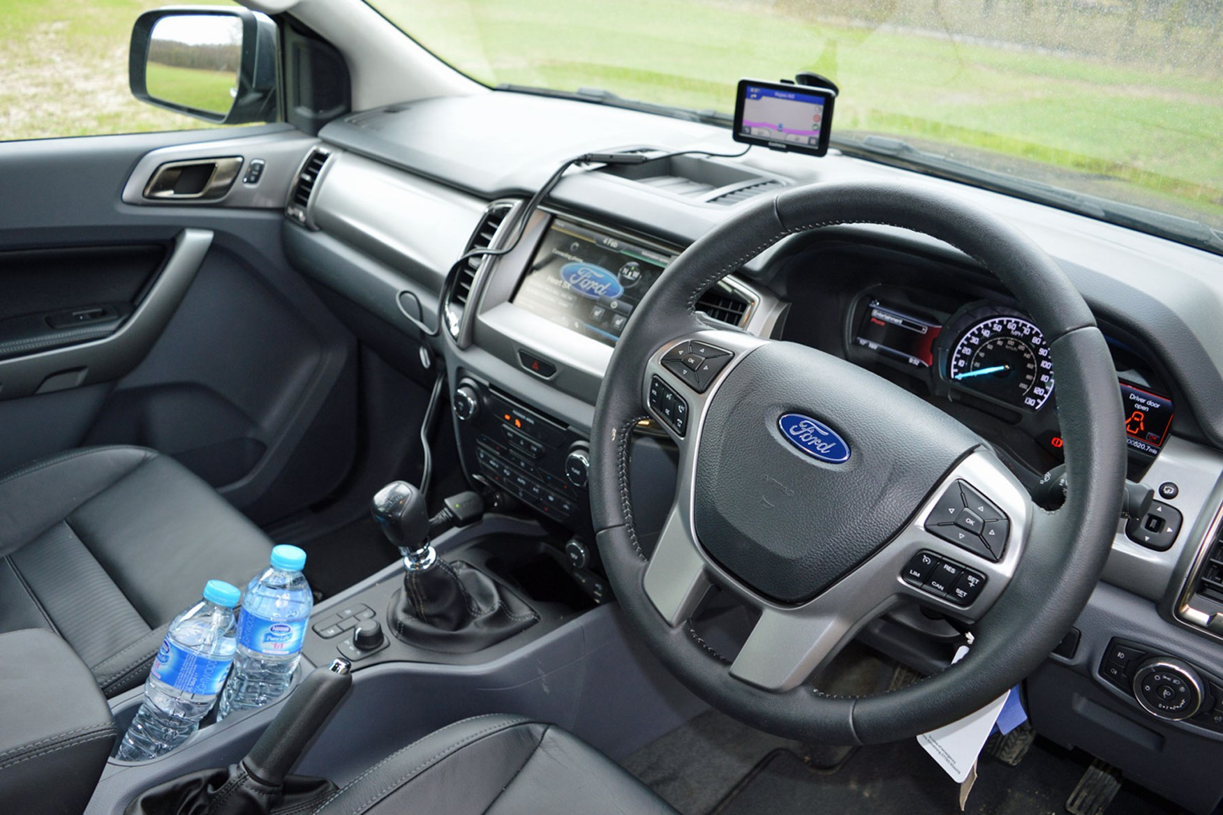 Ford Ranger Limited 3.2 Euro 5 review - cab interior