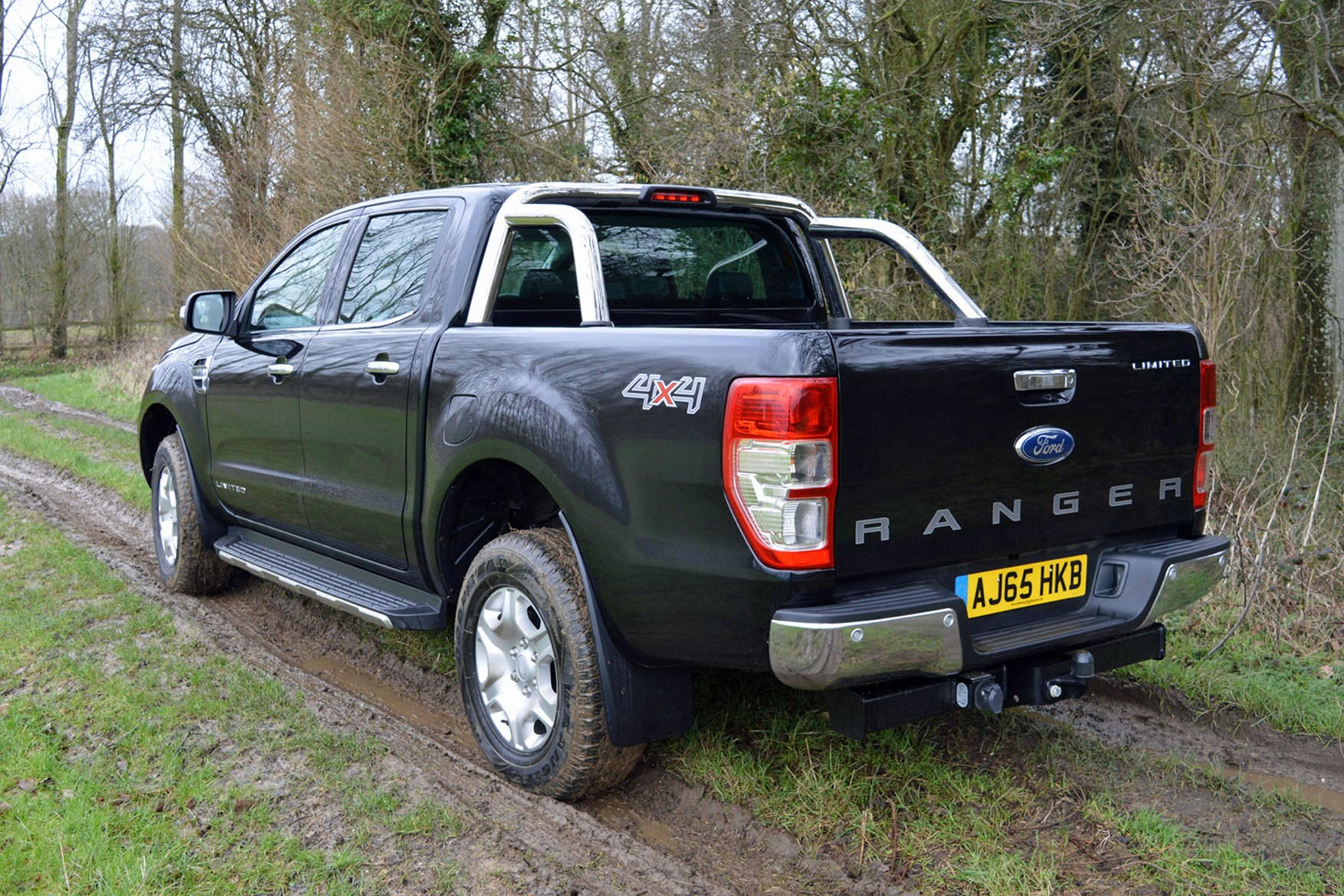 Ford Ranger Limited 3.2 Euro 5 review - rear view, black, on mud
