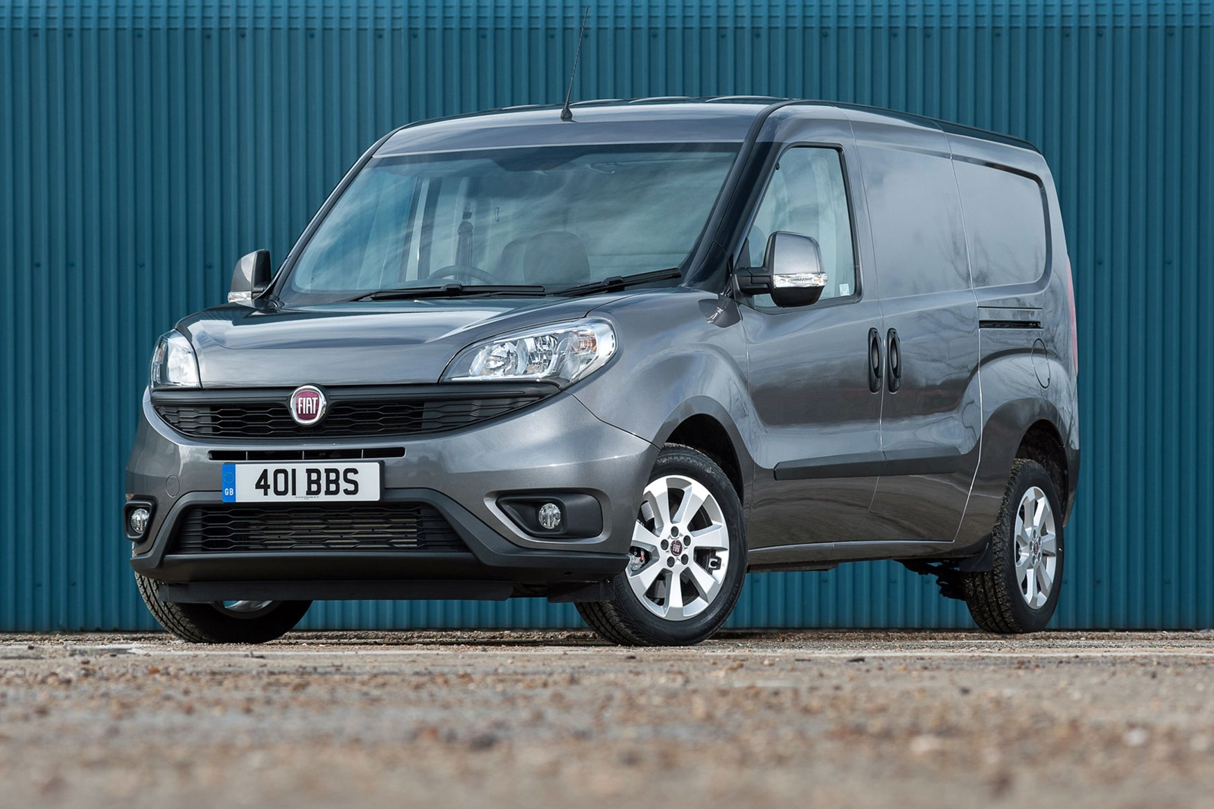 Fiat Doblo review - front view, dark grey, facelift model