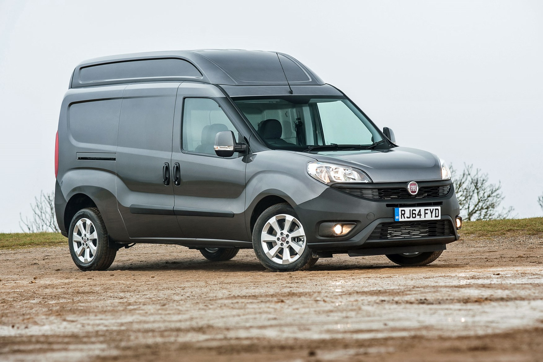 Fiat Doblo review - XL, front view, dark grey, facelift model