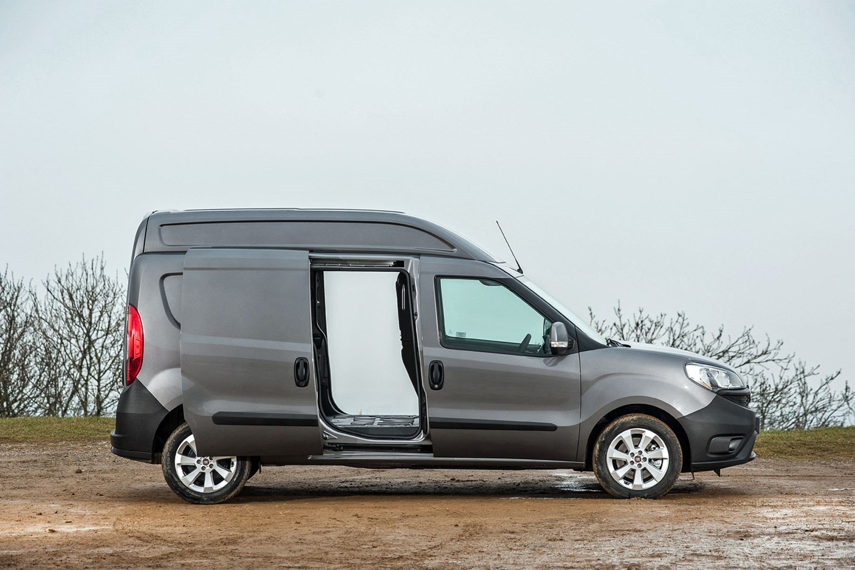 Fiat Doblo Maxi XL review - side view, grey, 2014