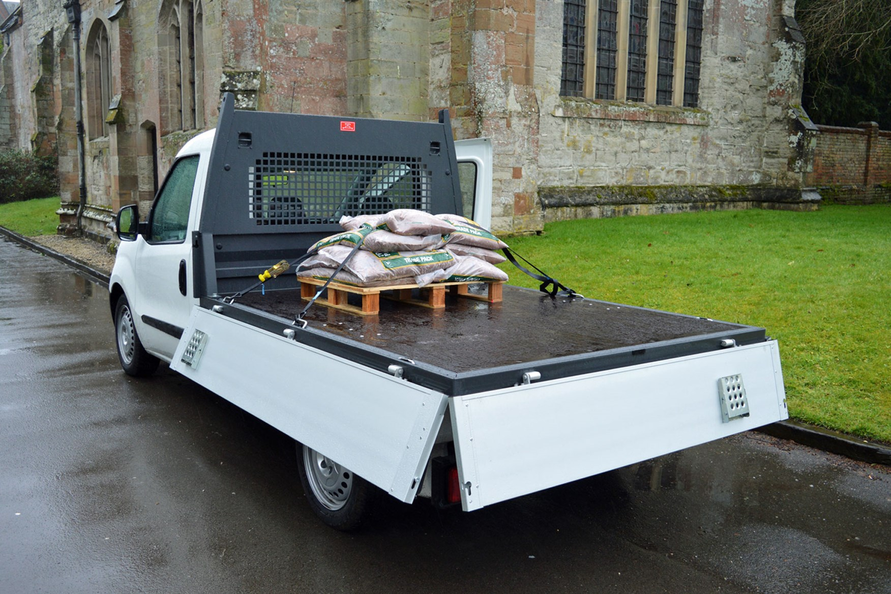 Fiat Doblo review - Work Up dropside pickup, load area, sides dropped, 2015