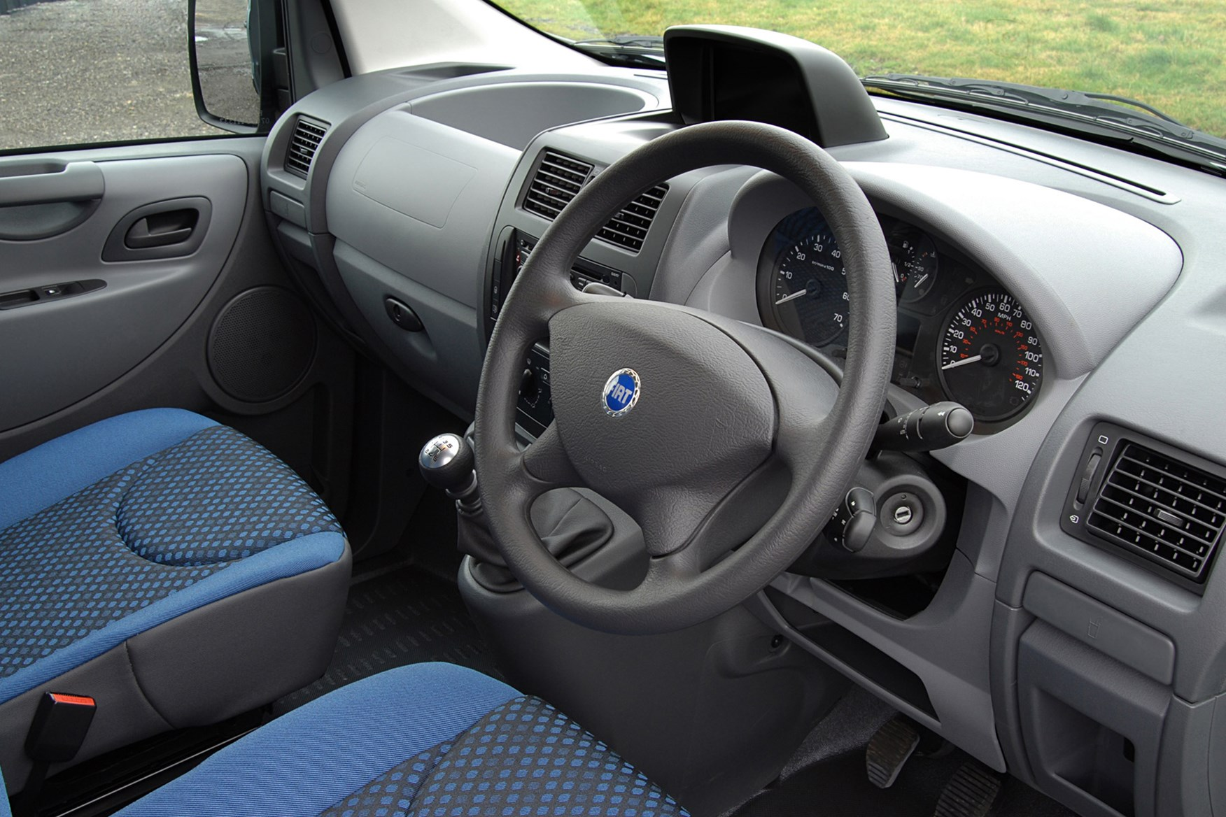 Fiat Scudo 2007-2016 review on Parkers Vans - interior
