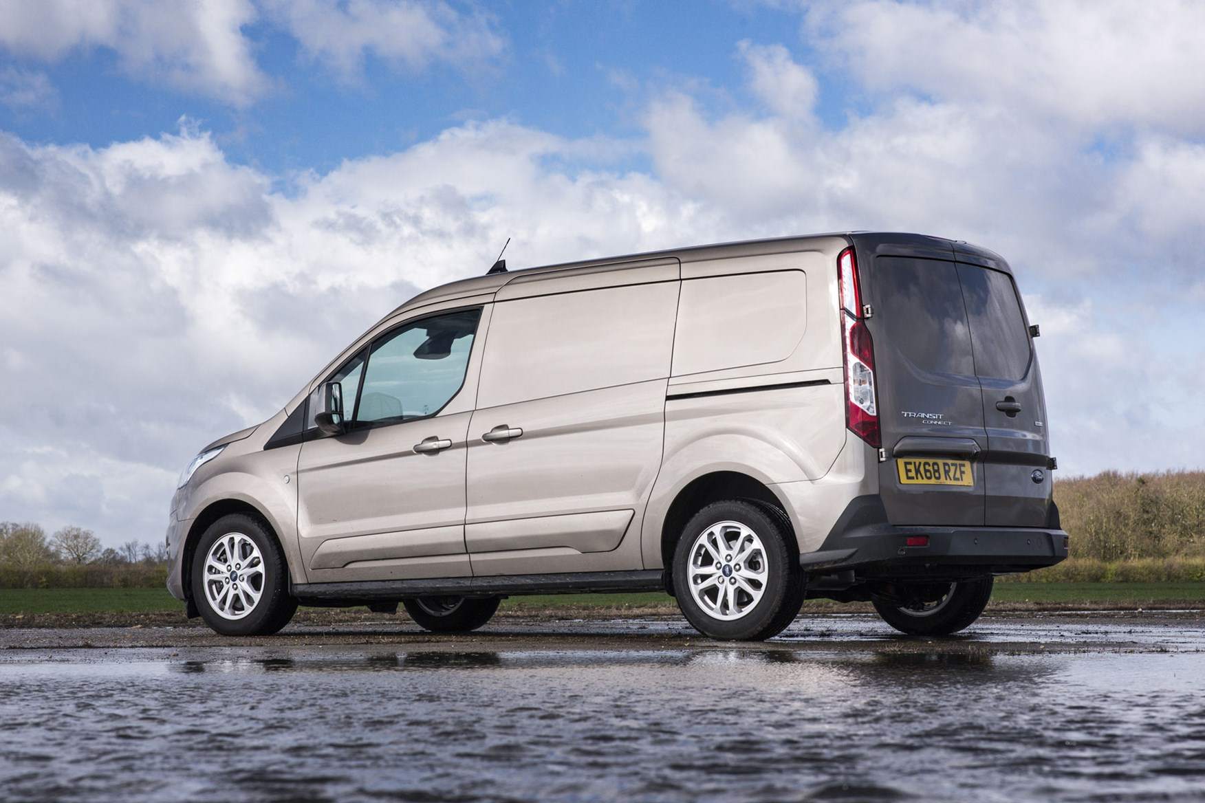 Ford Transit Connect review - 2018 facelift model, rear view, gold