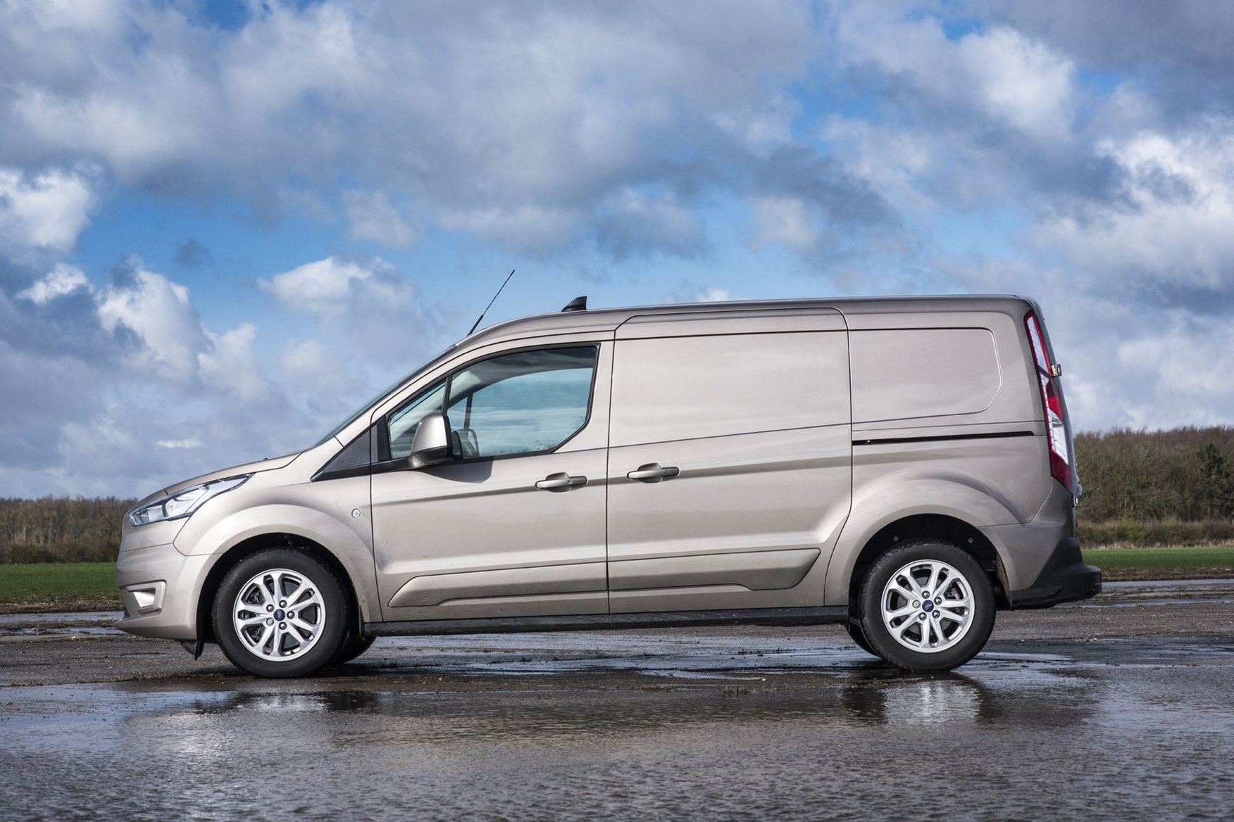 Ford Transit Connect review - 2018 side view, L2 LWB, gold