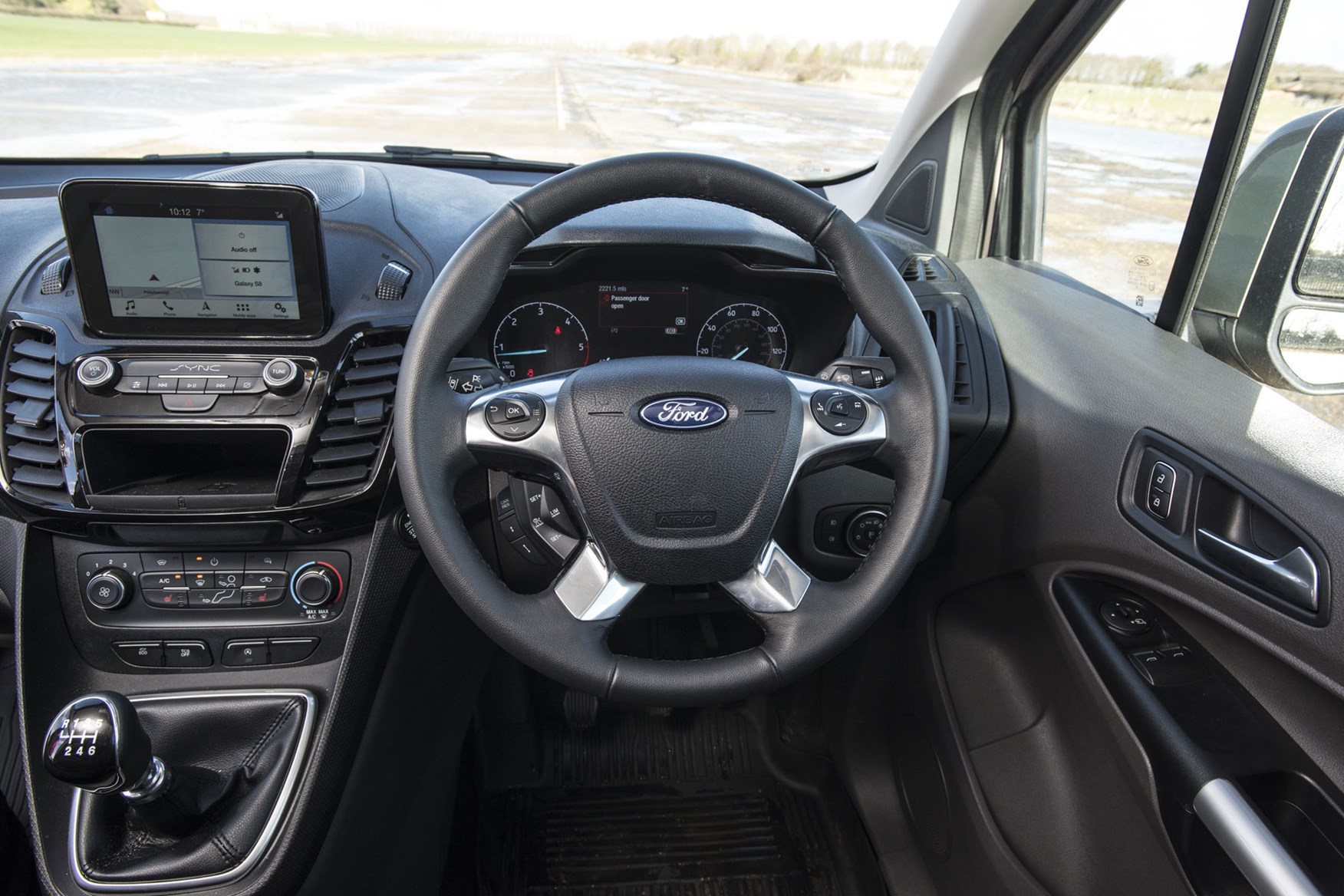 Ford Transit Connect review - 2018 cab interior, steering wheel and dials