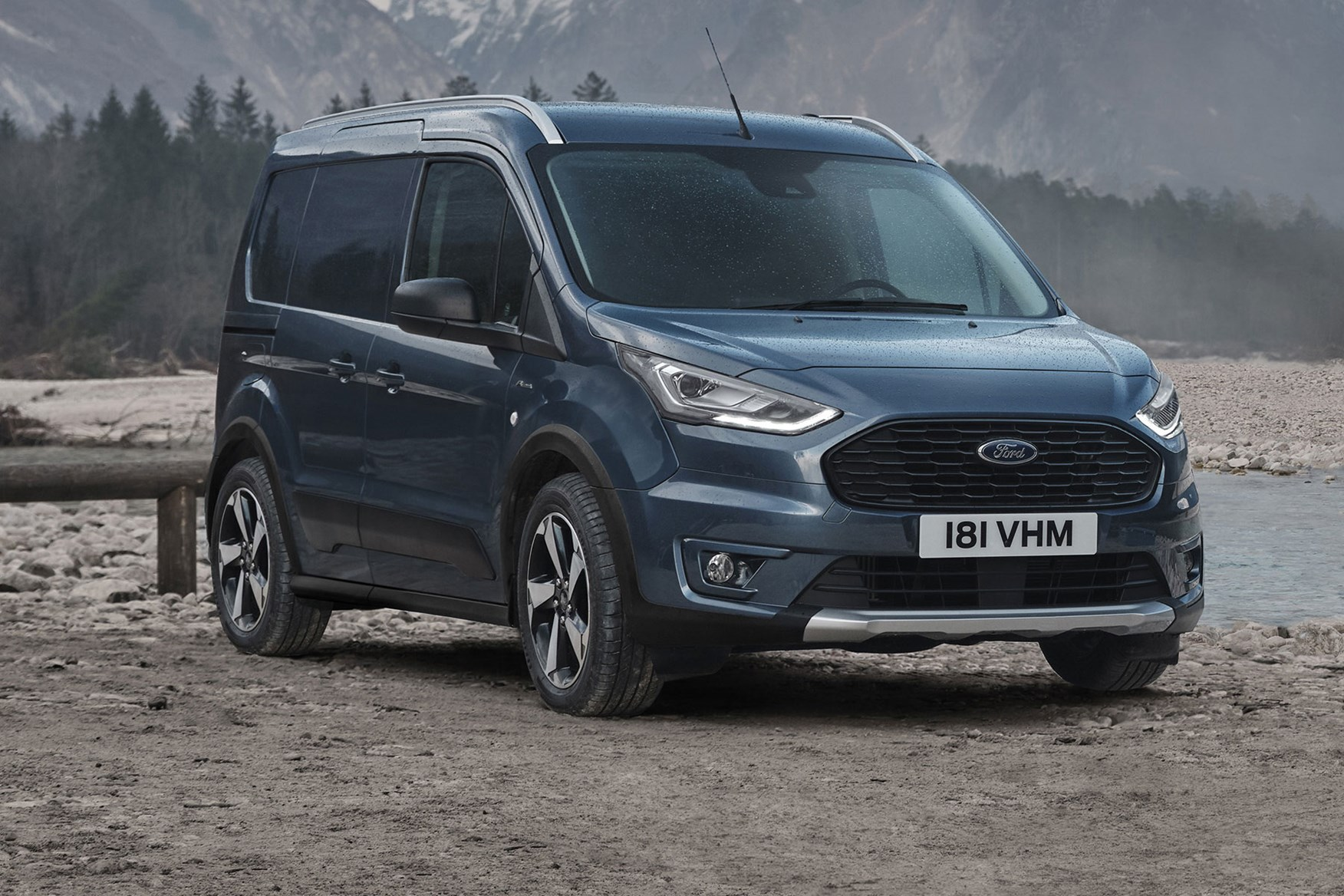 Ford Transit Connect Active 2020, front view, blue
