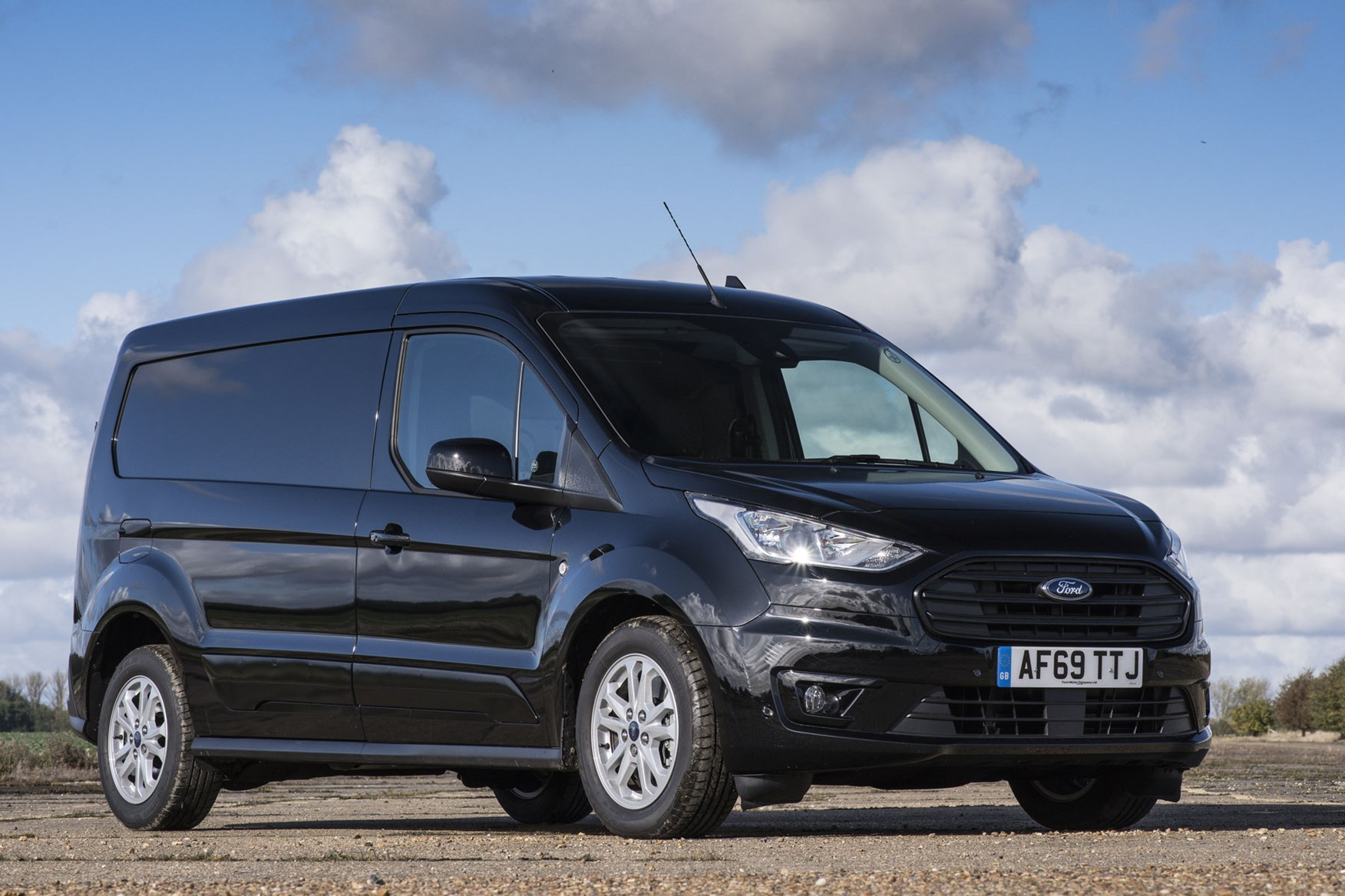 Ford Transit Connect automatic review - front view, black, L2, 2019