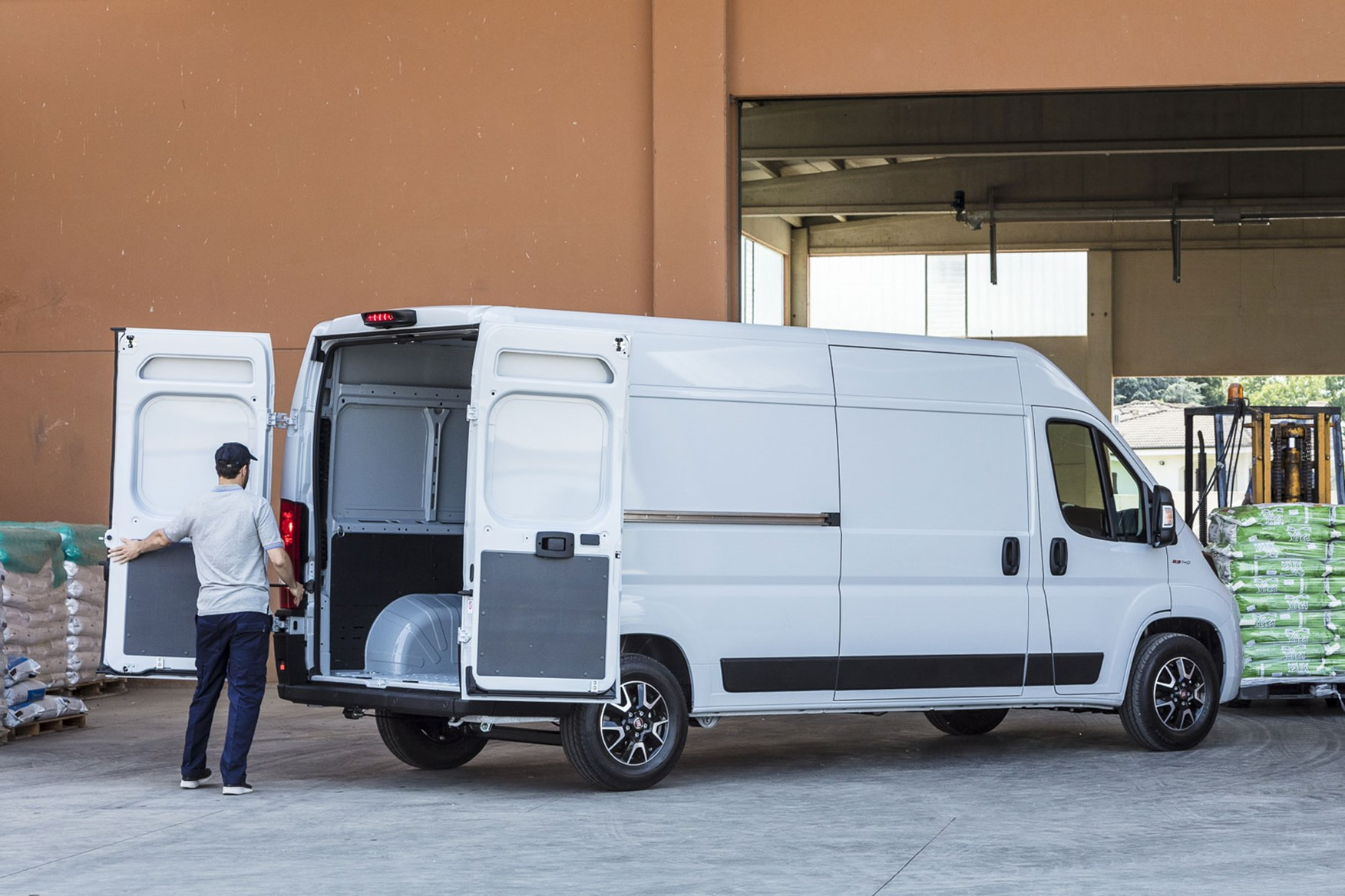 Fiat Ducato review - 2019 MY20, rear view, being loaded