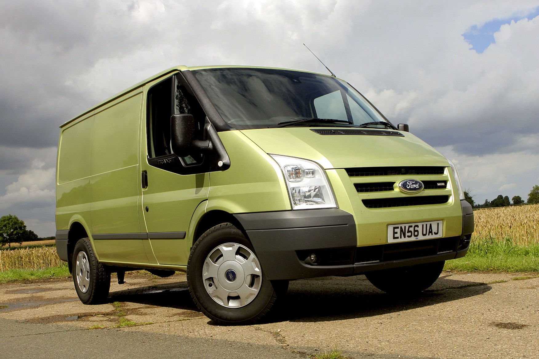 Ford Transit (2006-2014) front view
