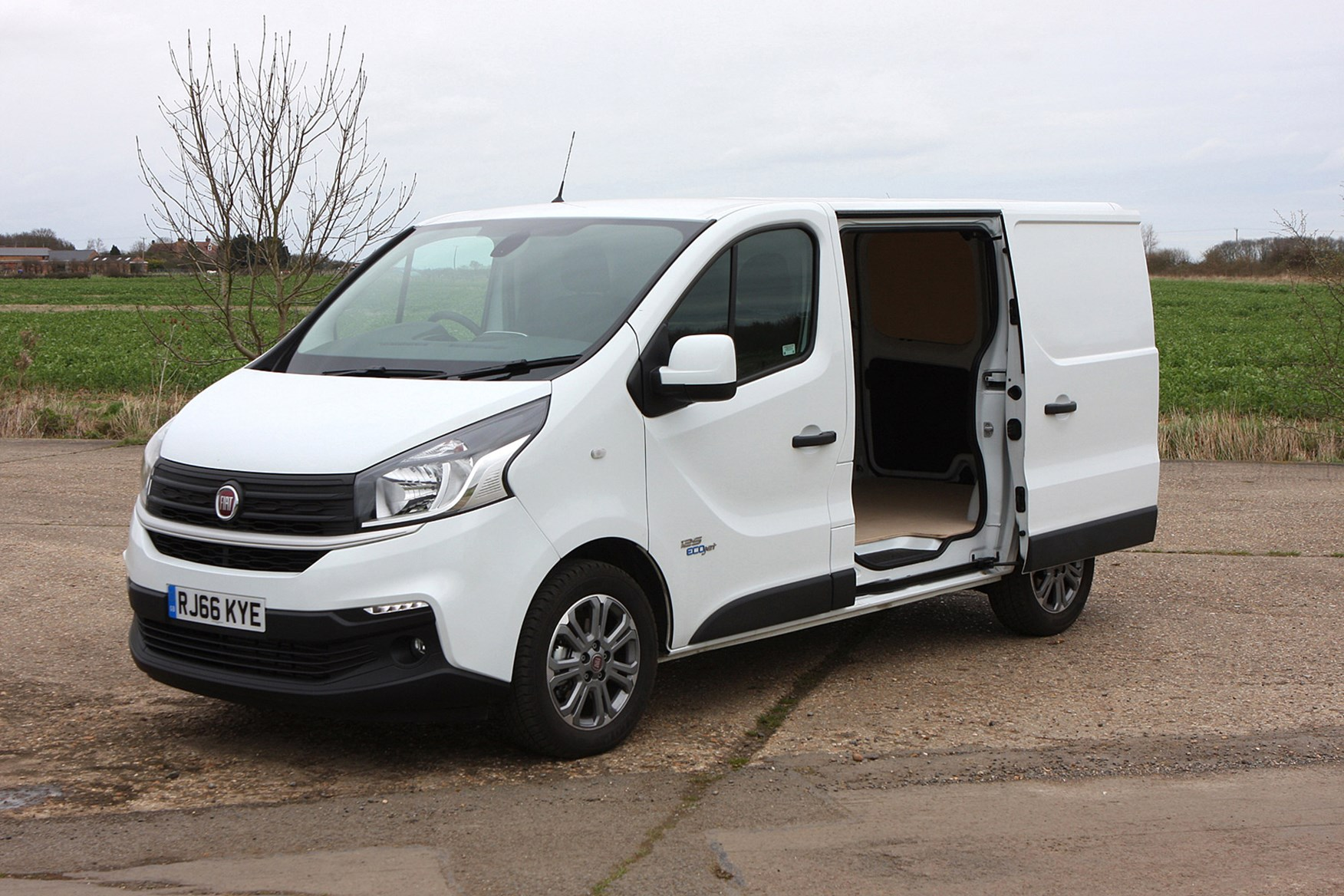 Fiat Talento 2016-on review on Parkers Vans - load area
