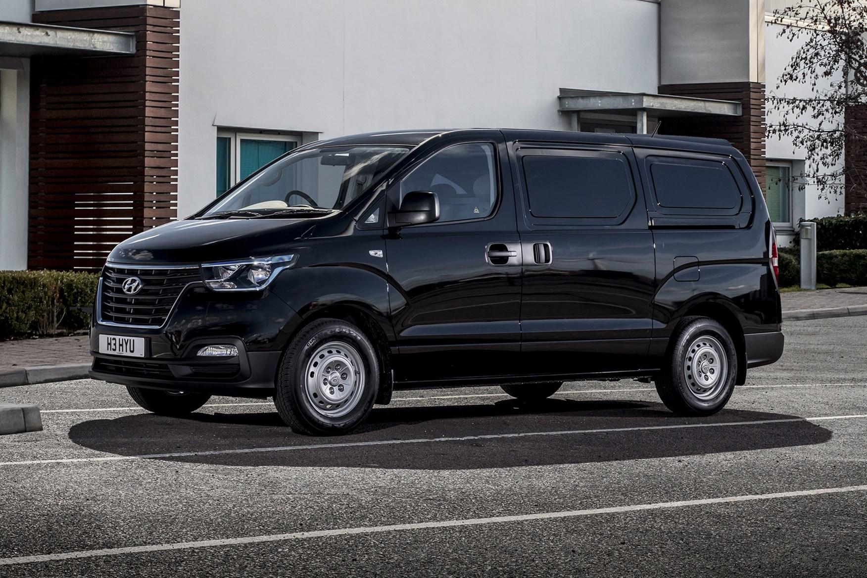 Hyundai iLoad review, 2018 facelift model, front view, black