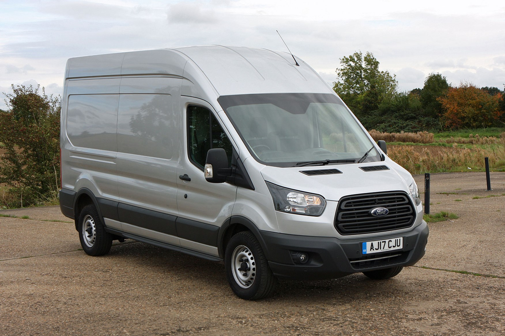 new ford transit review parkers. Black Bedroom Furniture Sets. Home Design Ideas