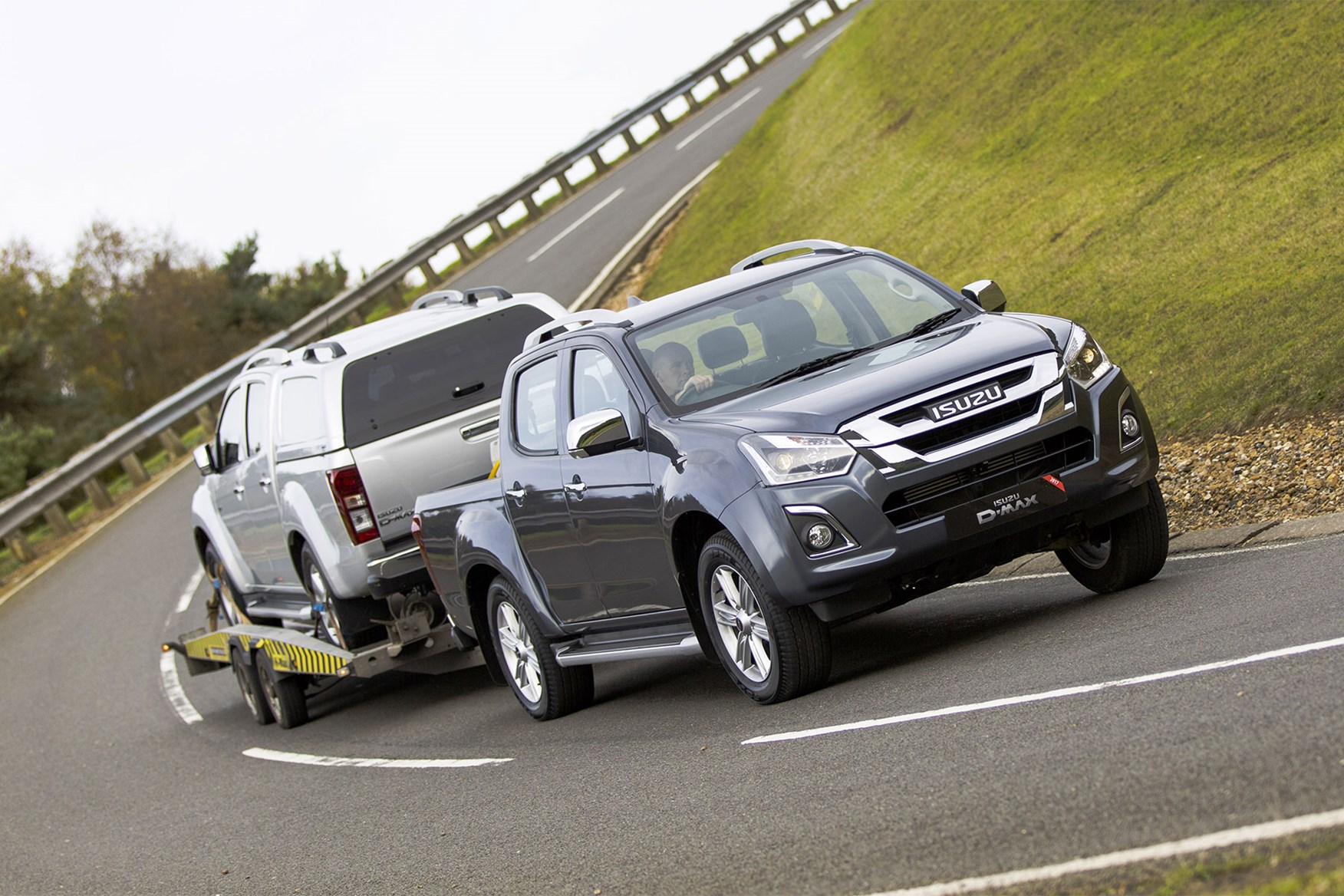 Isuzu D-Max payload capacity, kerb weight and gross vehicle weight (GVW) - towing another D-Max on a trailer