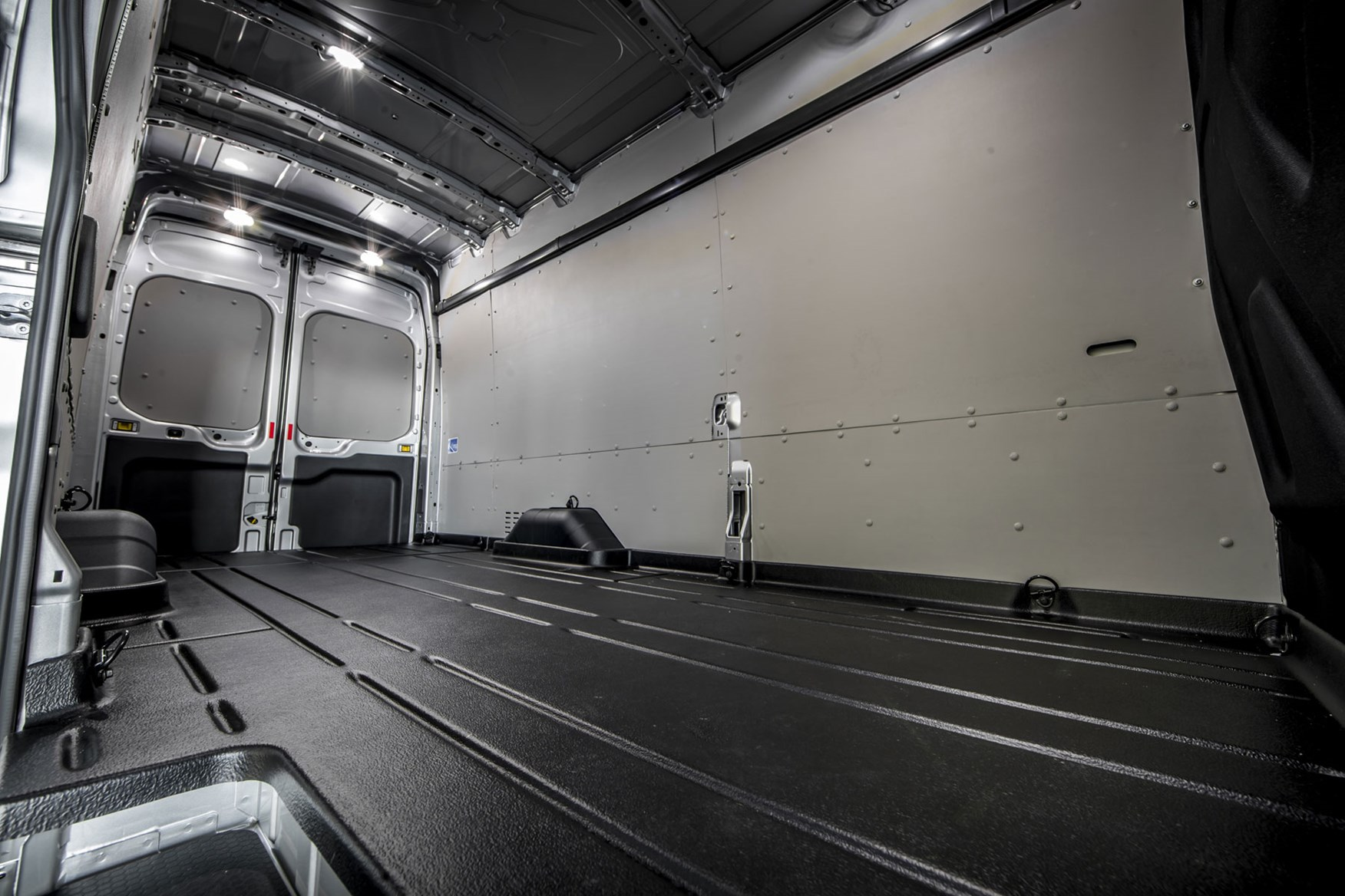 Ford Transit dimensions - 2019 facelift model, L4 load area