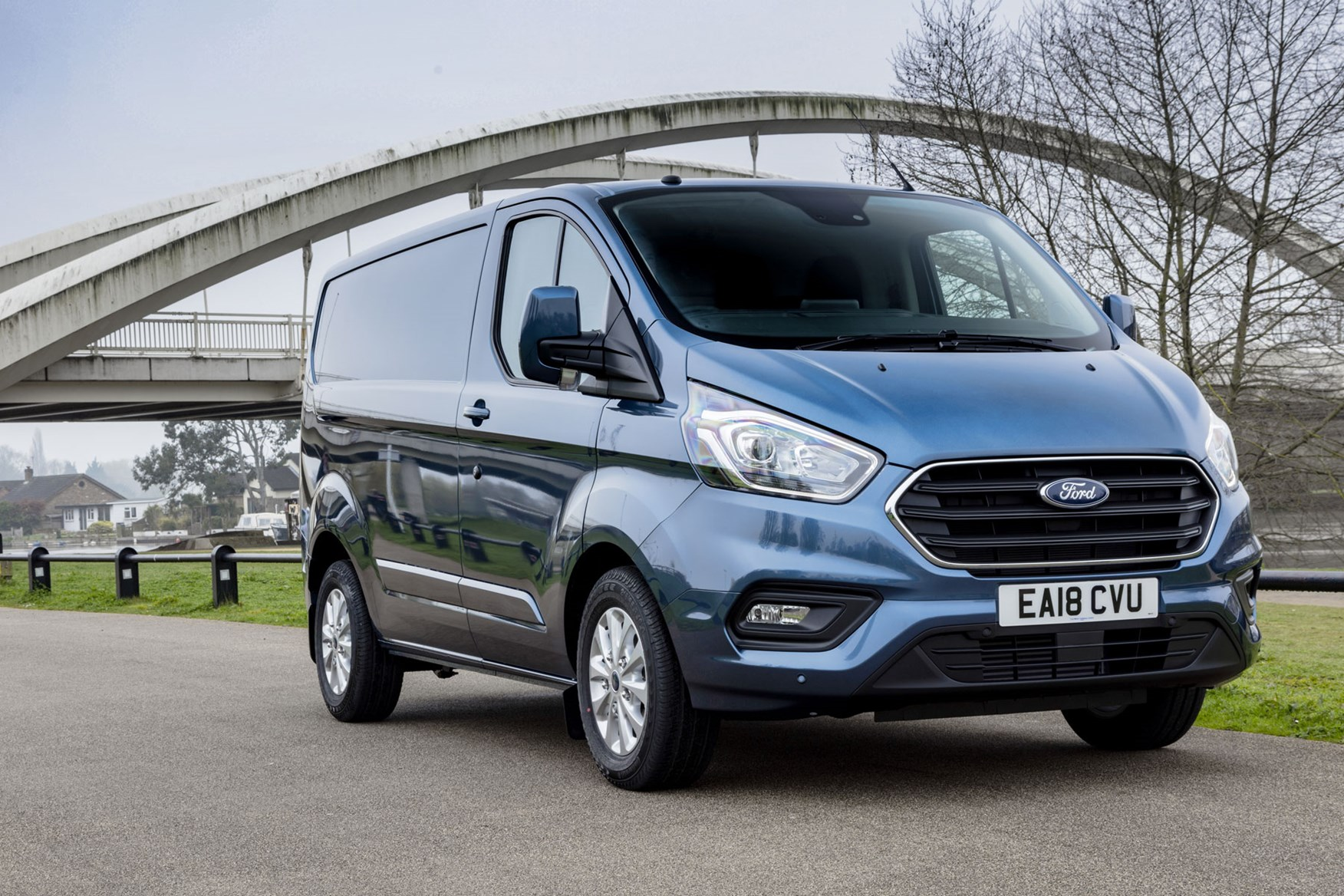 Ford Transit Custom review - 2018 post-facelift front driving