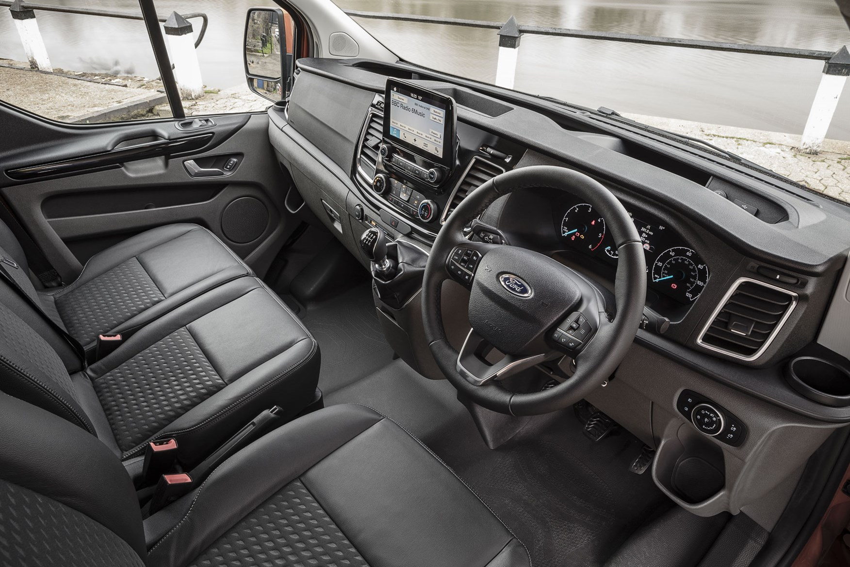 Ford Transit Custom review - 2018 post-facelift cab interior